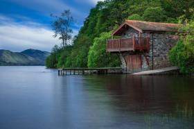 Medinį namelį